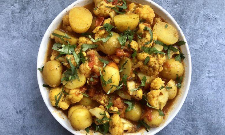 Bulvių ir žiedinių kopūstų salotos