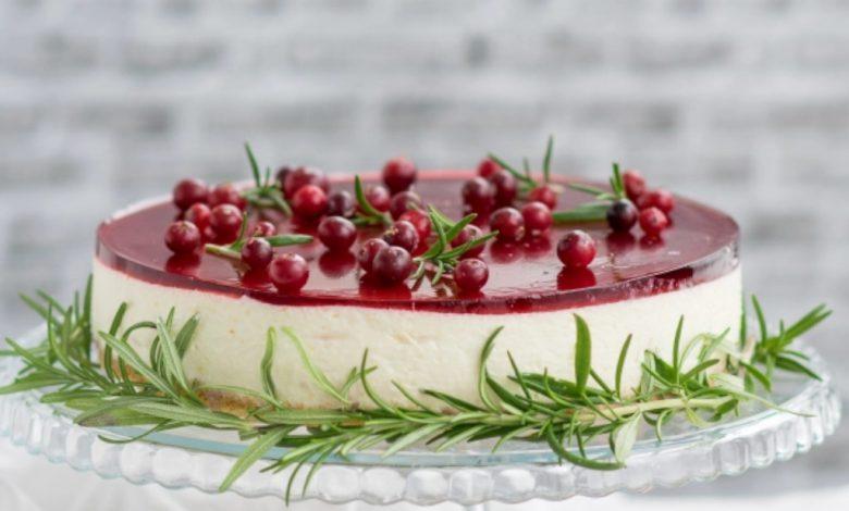 Kalėdinis sūrio tortas su karšto vyno želė