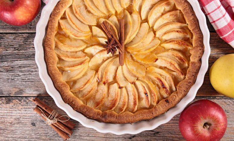 Obuolių pyrago su riešutais receptas