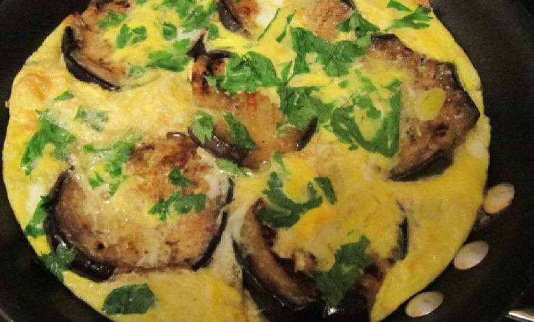 Omletas su baklažanais