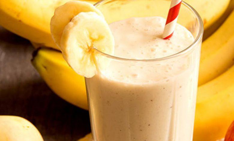 Pieniškas bananų ir obuolių kokteilis