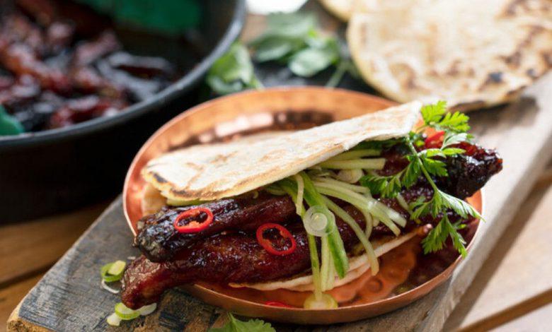 Pita su šonkauliukų mėsa (Grill kepsninėje)