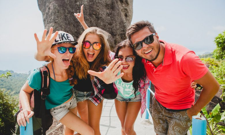 rsz happy hipster company friends traveling around world