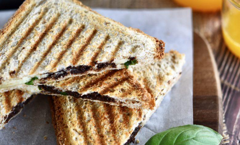Sumuštiniai su bri sūriu