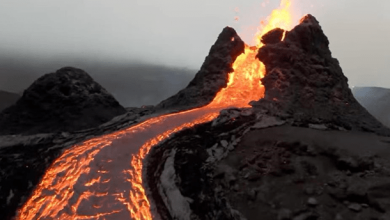 Kadras is vaizdo iraso Vulkano issiverzimas Islandijoje min