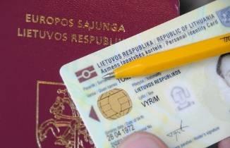 LR piliecio pasas arba kortele