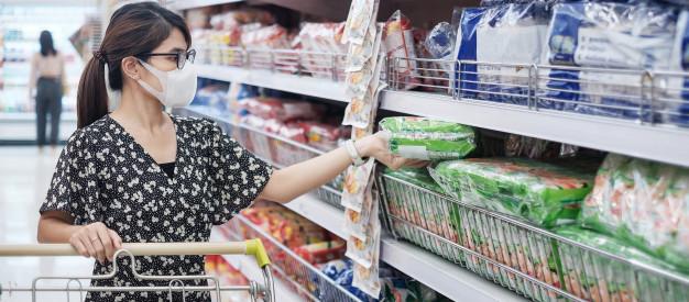 maisto produktai parduotuveje