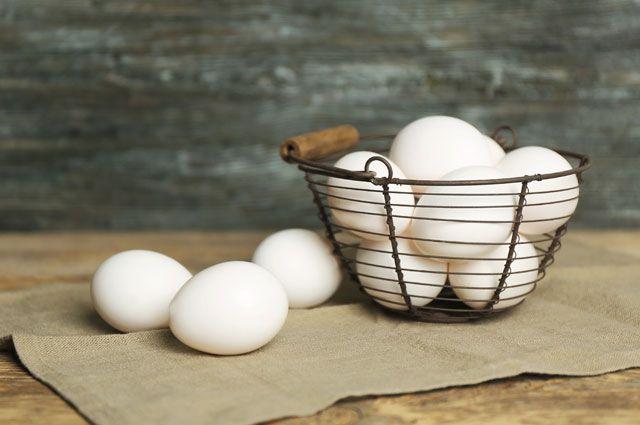 Kaip išvirti kiaušinius, kad nesuskiltų?