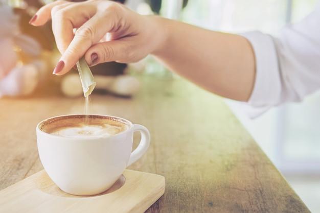 cukrus kavoje